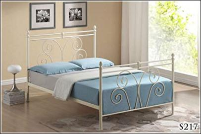 BRAND NEW 5ft METAL IVORY WHITE KINGSIZE BED FRAME AND DELUXE SLUMBER SLEEP QUALITY SPRUNG MATTRESS