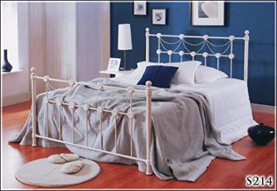 BRAND NEW 5ft METAL IVORY KINGSIZE BED FRAME AND SLUMBER SLEEP PREMIUM 2000 MEMORY FOAM MATTRESS
