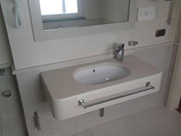 Bathroom Suspended in Quartz