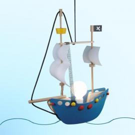 Merveilleuse suspension Bateau de pirate