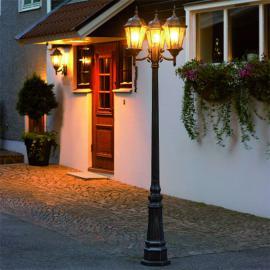 Imposant lampadaire Vera à 3 lampes