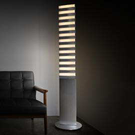 Lampadaire LED insolite Piano