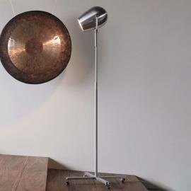 Lampadaire LED de designer à roulettes Pan Am
