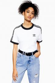California T-Shirt von adidas Originals - Weiß - Topshop