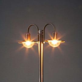 Lampadaire Damion en inox à 2 têtes de lampe