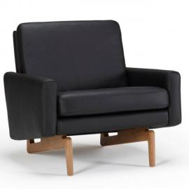 Inside 75 Fauteuil design scandinave Egsmark piétement en chêne cuir noir