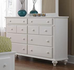Broyhill Hayden Place 8 Drawer Dresser in White
