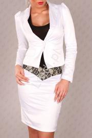 Biały żakiet damski z bufkami na ramionach - Lejdi