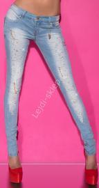 Jasnoniebieskie jeansy z kryształkami i sztucznymi perełkami k-93 - Lejdi