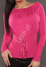 Różowy sweter z guziczkami na rękawach oraz sznurowaniem 025 - Lejdi