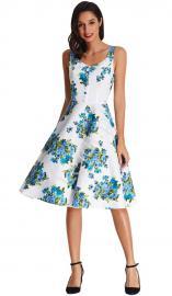 Sukienka w kwiaty odcieniach niebieskiego | sukienki w stylu pin-up, stylowe retro sukienki