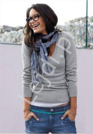 Szary klasyczny sweter damski w szpic - Lejdi
