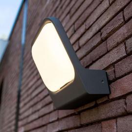 Weitläufig strahlende LED-Wandleuchte Facia