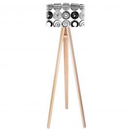 Stylische Stehleuchte Ueli mit Dreibein aus Holz