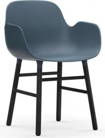 Fotel Form niebieski z czarną dębową ramą