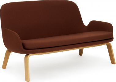 Sofa Era na drewnianych nogach dąb tkanina Fame