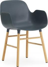 Fotel Form niebieski z dębową ramą