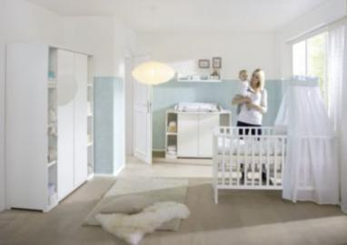 Komplett Kinderzimmer MAXIMO WEIß, 3-tlg. (Kinderbett,Umbauseiten, Wickelkommode und 2-türiger Kleiderschrank mit Seitenregalen), weiß Gr. 70 x 140