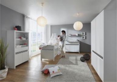 Komplett Kinderzimmer Planet Star, 3-tlg.(Kombi-Kinderbett 70x140, Umbauseiten, Wickelkommode mit Wickelaufsatz und Kleiderschrank 5-trg.), Buche teilmassiv, weiß/dunkelgrau Gr. 70 x 140