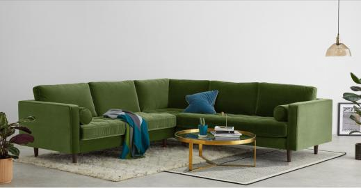 Scott Ecksofa, Samt in Grasgruen - MADE.com